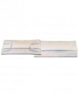 Mascherina Bianca in tessuto tnt doppio strato da 70gr cadauno 100% Polipropilene idrorepellente e traspirante ISO 10993.3-5